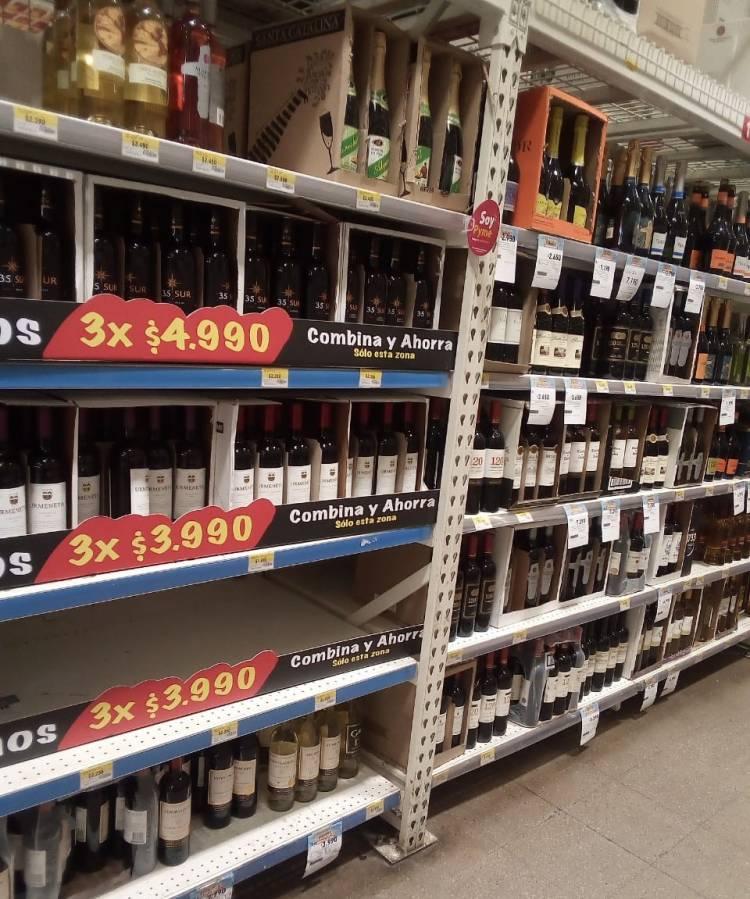 Dueños de botillerías y expendio de alcoholes denuncian persecusión de la autoridad sanitaria en Linares