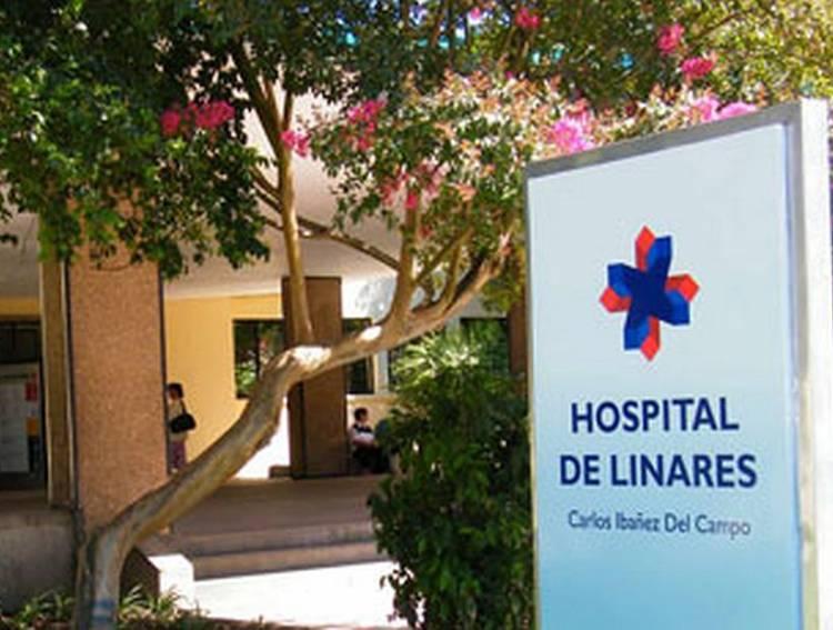 """Pandemia en Linares: 15 pacientes graves y conectados a ventilación mecánica invasiva en la UCI del hospital base """"Carlos Ibáñez del Campo"""""""