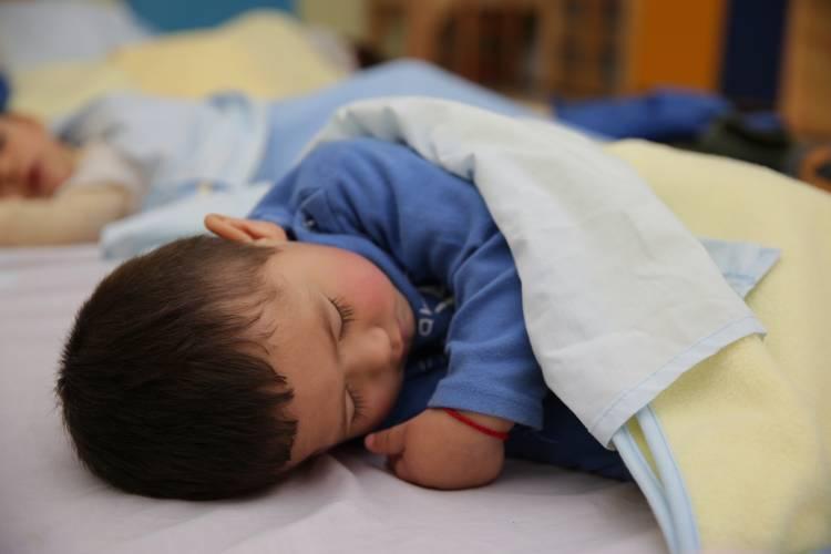 Horario de invierno: ¿Cómo preparar a los niños y niñas para el cambio de hora en cuarentena?